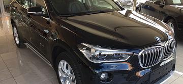 BMW_X1_sazwa_1.jpg