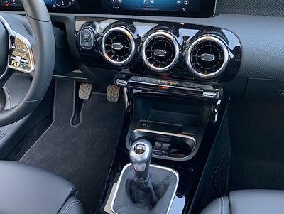 Mercedes_A160_W177_Grijs_6.jpg