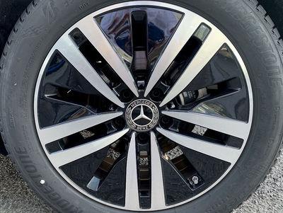 Mercedes_R11_W177.jpg