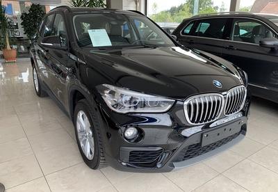 BMW_X1_zw_1bis.jpg