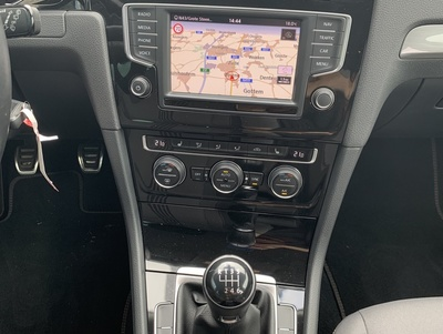 VW_Golf7_Tungsten_4.jpg