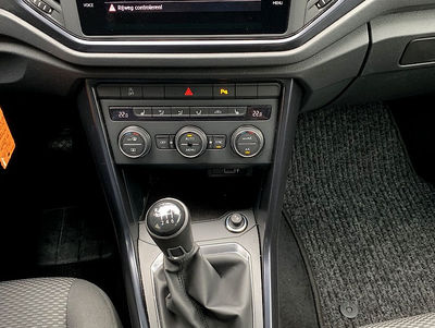 VW_T-Roc_4.jpg