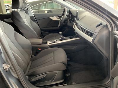 Audi_A4Avant_Grijs_8.jpg
