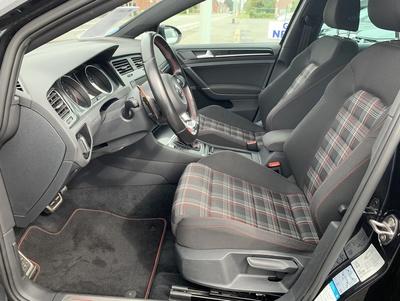 VW_Golf7_GTI_zwart_9.jpg