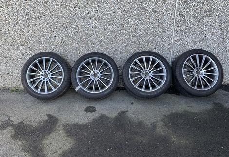 Mercedes_GLC_AMG_1.jpg