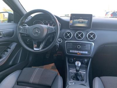 Mercedes_A180UrbanZw_3.jpg