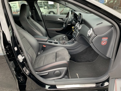 Mercedes_A180_nachtzwartAMG_6.jpg