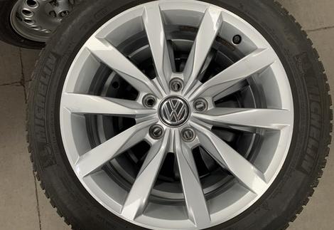 VW_Golf7_GTI.jpg