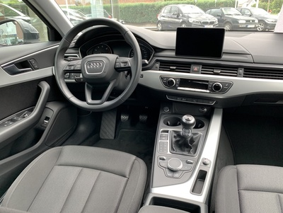 Audi_A4_MHGrijs_3.jpg