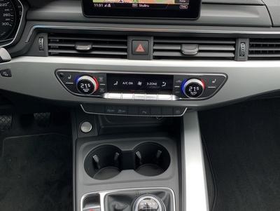 Audi_A4_MHGrijs_4.jpg