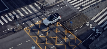 volvo_cars_and_bicyclists.jpg