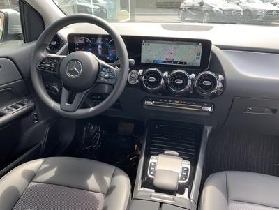 Mercedes_B180247_3.jpg