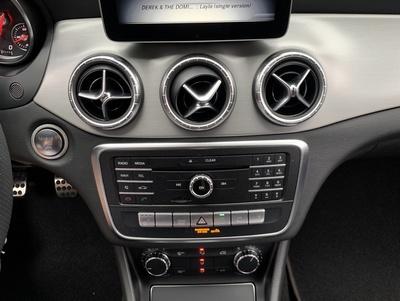 Mercedes_CLA200_wit_4.jpg